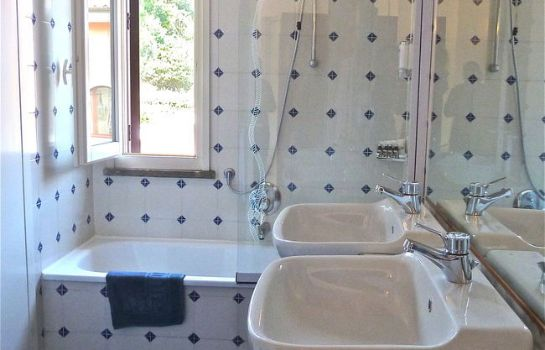 Hotel Yacht Club-Marciana Marina-Bathroom