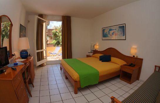 Hotel Yacht Club-Marciana Marina-Dreibettzimmer