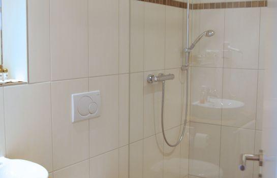 gut alte burg in jülich (deutschland) einfach günstiger buchen, Badezimmer