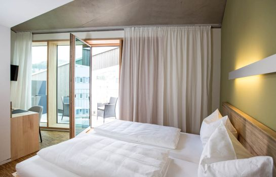 Green City Hotel Vauban-Freiburg im Breisgau-Room with balcony