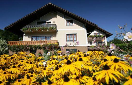 Haus Johanna mit Imkerei P. und J. Reiner