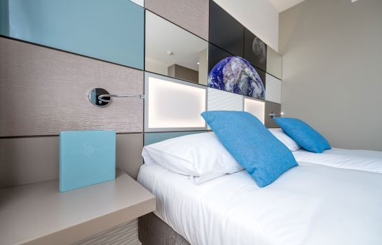 Discovery Hotel