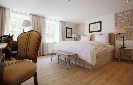 Regensburg: Hotel VIII