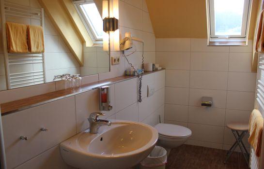 Zum Schuetzen Landgasthof-Oberried-Badezimmer