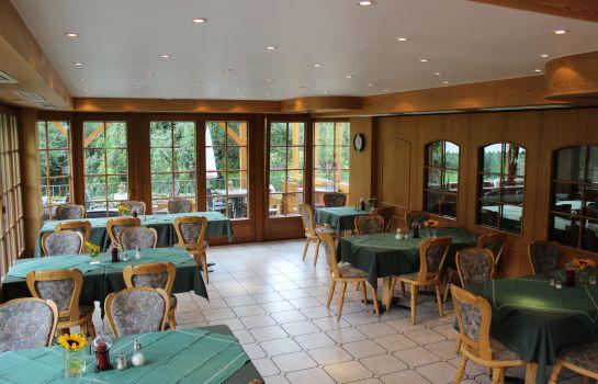 Zum Schuetzen Landgasthof-Oberried-Restaurantbreakfast room