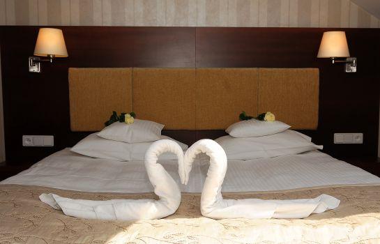 Centuria Hotel