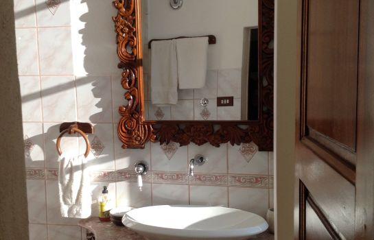 Villa Conti-Fauglia-Bathroom