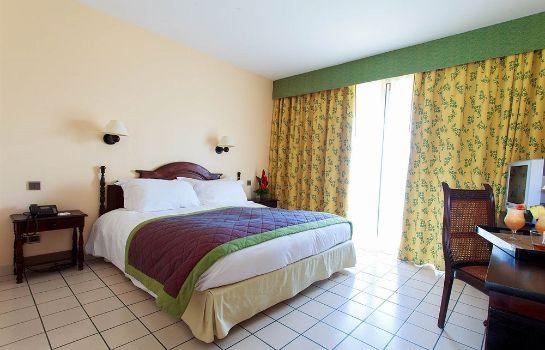 Hotel Bakoua