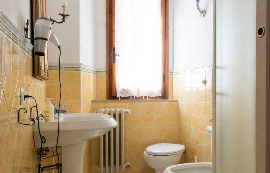 Donna Nobile-San Gimignano-Bathroom