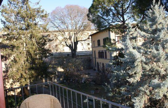 Donna Nobile-San Gimignano-Room with balcony