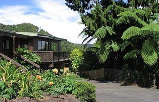 Lone Kauri Lodge Karekare