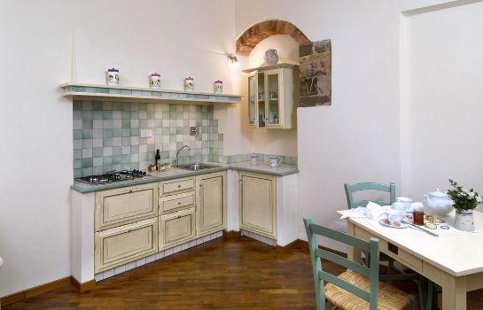 Accademia Residence-Prato-Kche im Zimmer