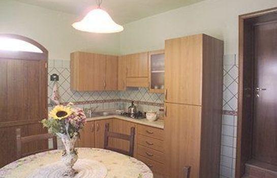 Agriturismo il Girasole-San Gimignano-Kche im Zimmer