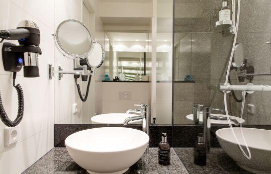 Motel One Freiburg-Freiburg im Breisgau-Bathroom