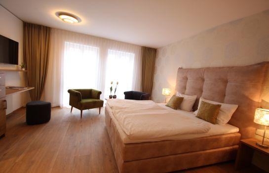 Bernkastel-Kues: Hotel Moselauen