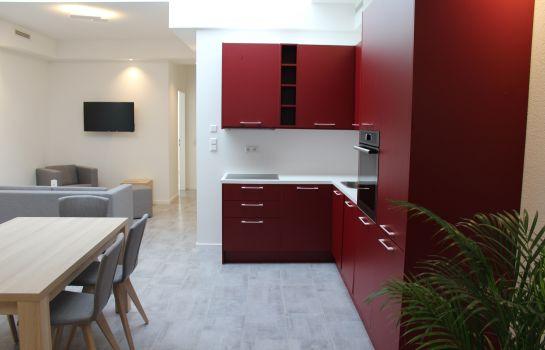 Hotel Lumi-Freiburg im Breisgau-Kitchen in room