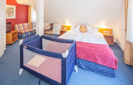 City_Hotel-Freiburg_im_Breisgau-Dreibettzimmer-1-10077