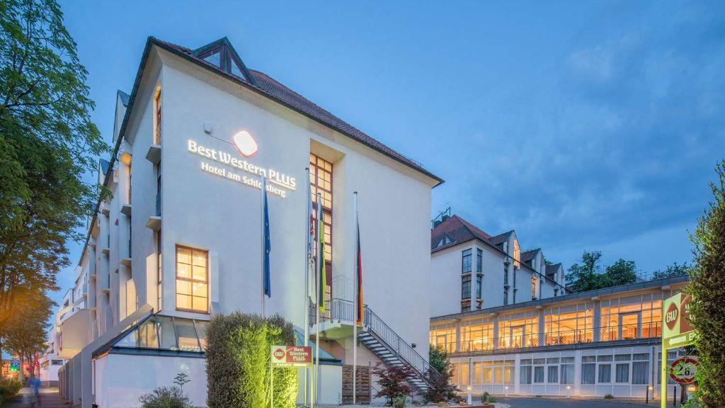 Best Western Plus Hotel am Schlossberg Nuertingen Exterior view - Best_Western_Plus_Hotel_am_Schlossberg-Nuertingen-Exterior_view-8-124.jpg