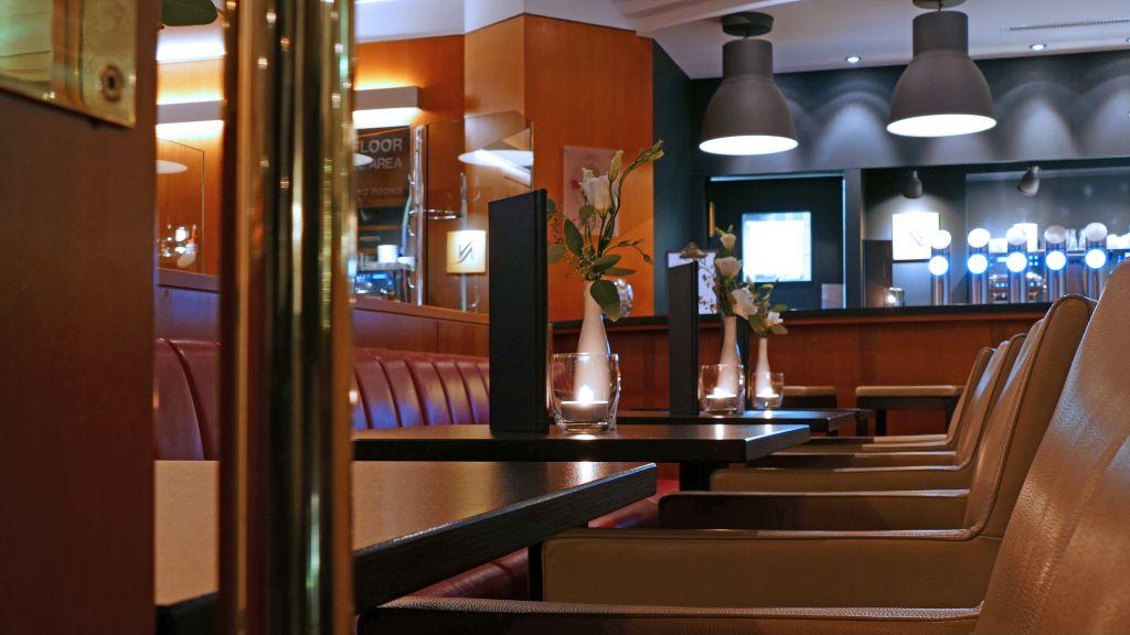 Best Western Plus Central Hotel Leonhard Feldkirch Hotel Bar - Best_Western_Plus_Central_Hotel_Leonhard-Feldkirch-Hotel-Bar-4-2709.jpg
