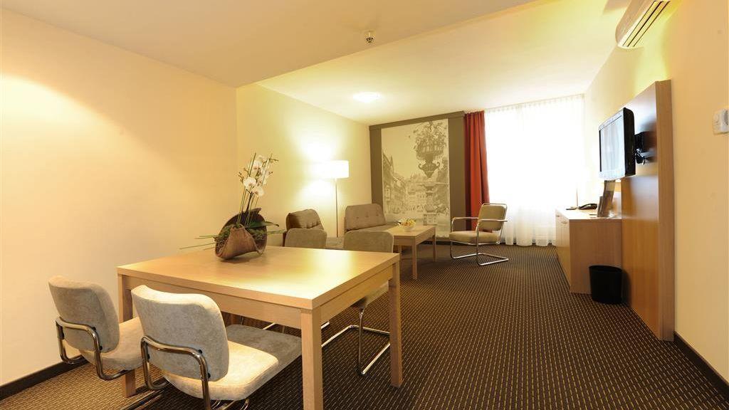 Best Western Plus Central Hotel Leonhard Feldkirch Suite - Best_Western_Plus_Central_Hotel_Leonhard-Feldkirch-Suite-2709.jpg