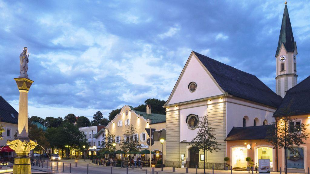 Romantik Hotel Lindner Bad Aibling Aussenansicht - Romantik_Hotel_Lindner-Bad_Aibling-Aussenansicht-3-3766.jpg