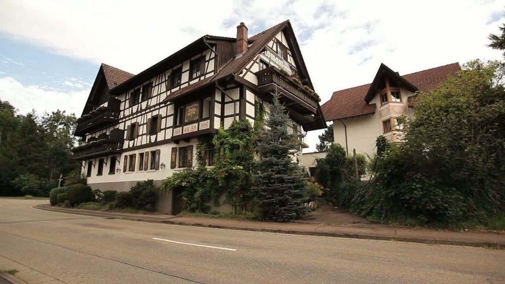 Stollen Schwarzwaldhotel Gutach im Breisgau Aussenansicht - Stollen_Schwarzwaldhotel-Gutach_im_Breisgau-Aussenansicht-2-3857.jpg