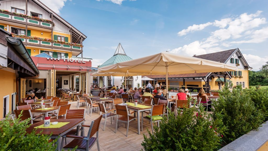 Schmelmer Hof Hotel Resort Bad Aibling Hotel outdoor area - Schmelmer_Hof_Hotel_Resort-Bad_Aibling-Hotel_outdoor_area-1-6855.jpg