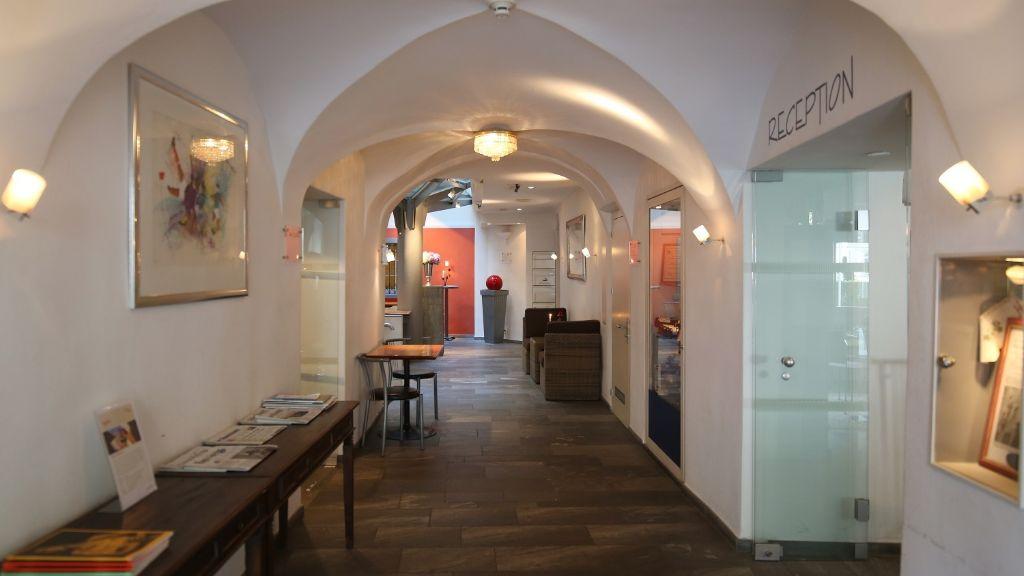 Ambiente Freieck Hotel Chur Reception - Ambiente_Freieck_Hotel-Chur-Reception-3-8286.jpg