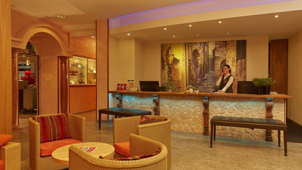 H Hotel Arcadia Locarno Reception - H4_Hotel_Arcadia-Locarno-Reception-9441.jpg