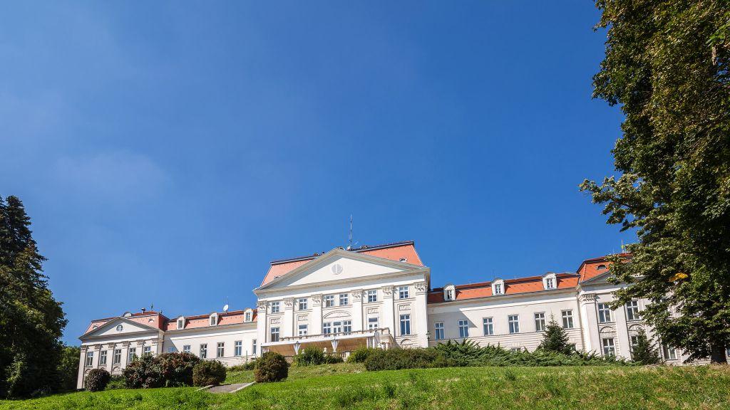Austria Trend Hotel Schloss Wilhelminenberg Wien Vienna Exterior view - Austria_Trend_Hotel_Schloss_Wilhelminenberg_Wien-Vienna-Exterior_view-4-14278.jpg