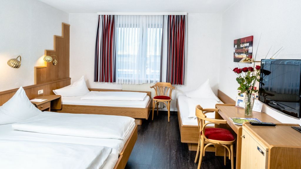 Deutschmanns Bregenz Four bed room - Deutschmanns-Bregenz-Four-bed_room-16117.jpg