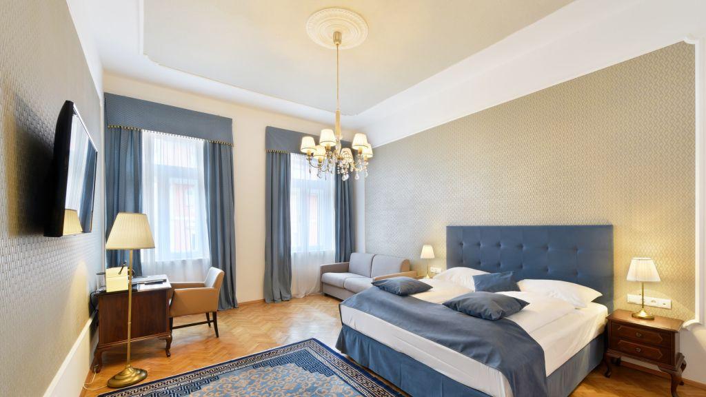 Palais Hotel Erzherzog Johann Graz Triple room - Palais-Hotel_Erzherzog_Johann-Graz-Triple_room-17389.jpg