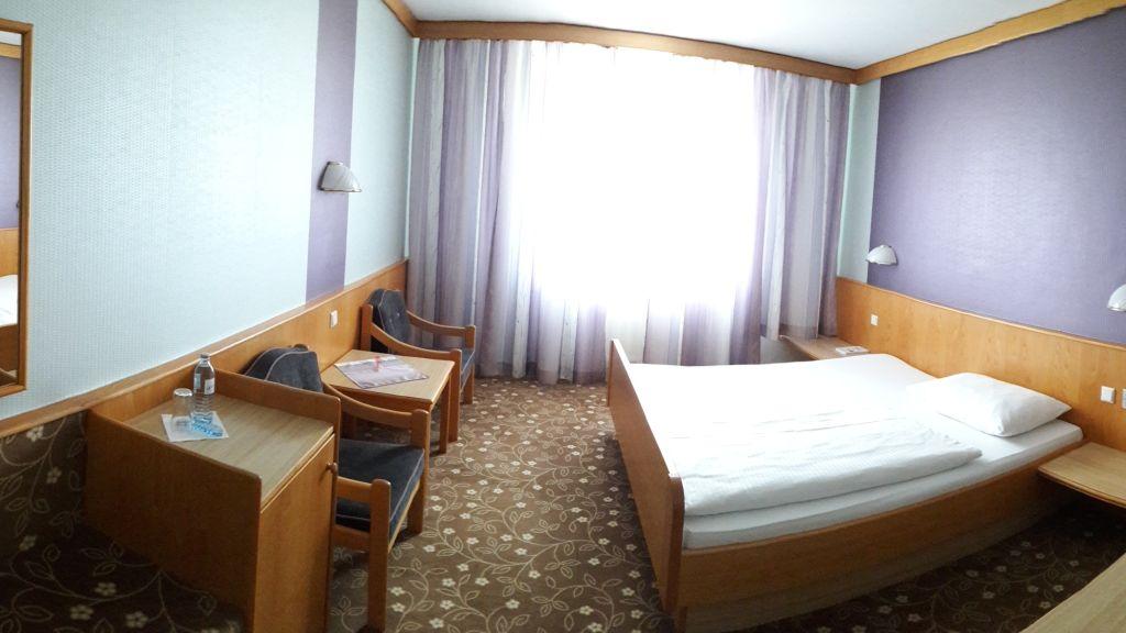 Seeland Sankt Poelten Double room standard - Seeland-Sankt_Poelten-Double_room_standard-6-23635.jpg