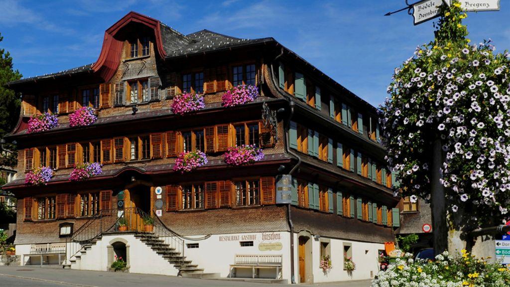 Gasthof Hirschen Schwarzenberg Kunsthotel im Bregenzerwald Schwarzenberg Aussenansicht - Gasthof_Hirschen_Schwarzenberg_-_Kunsthotel_im_Bregenzerwald-Schwarzenberg-Aussenansicht-1-23896.jpg