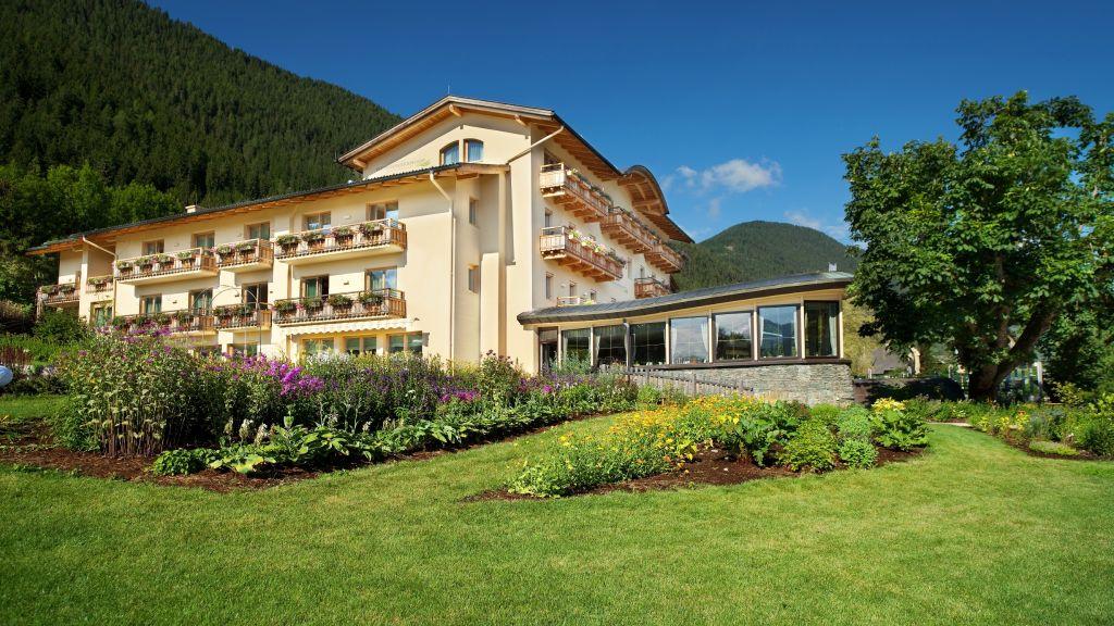 Strandhotel am Weissensee Vitalhotel Weissensee Exterior view - Strandhotel_am_Weissensee_Vitalhotel-Weissensee-Exterior_view-4-25821.jpg