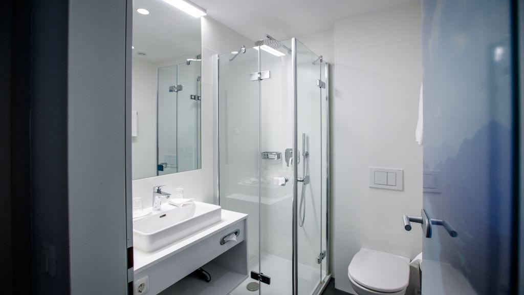 Mohrenwirt Fuschl am See Bathroom - Mohrenwirt-Fuschl_am_See-Bathroom-3-25944.jpg
