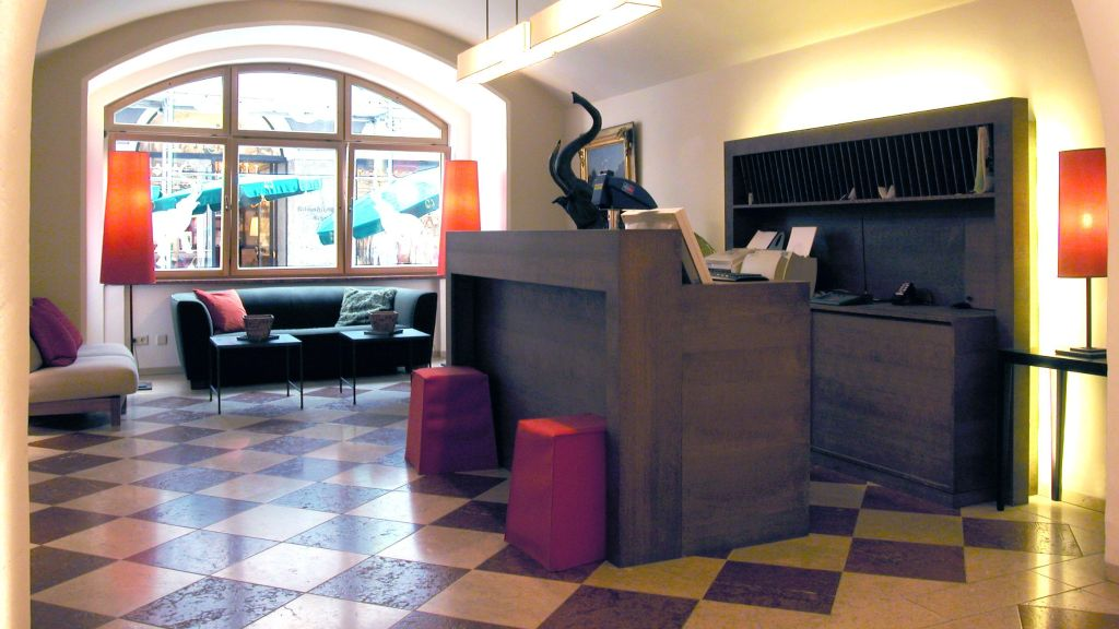 Elefant Salzburg Empfang - Elefant-Salzburg-Empfang-3-25983.jpg