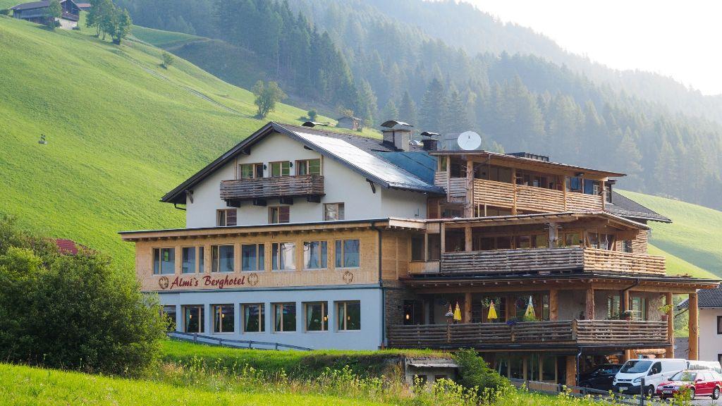 Almis Berghotel Obernberg am Brenner Exterior view - Almis_Berghotel-Obernberg_am_Brenner-Exterior_view-2-26186.jpg