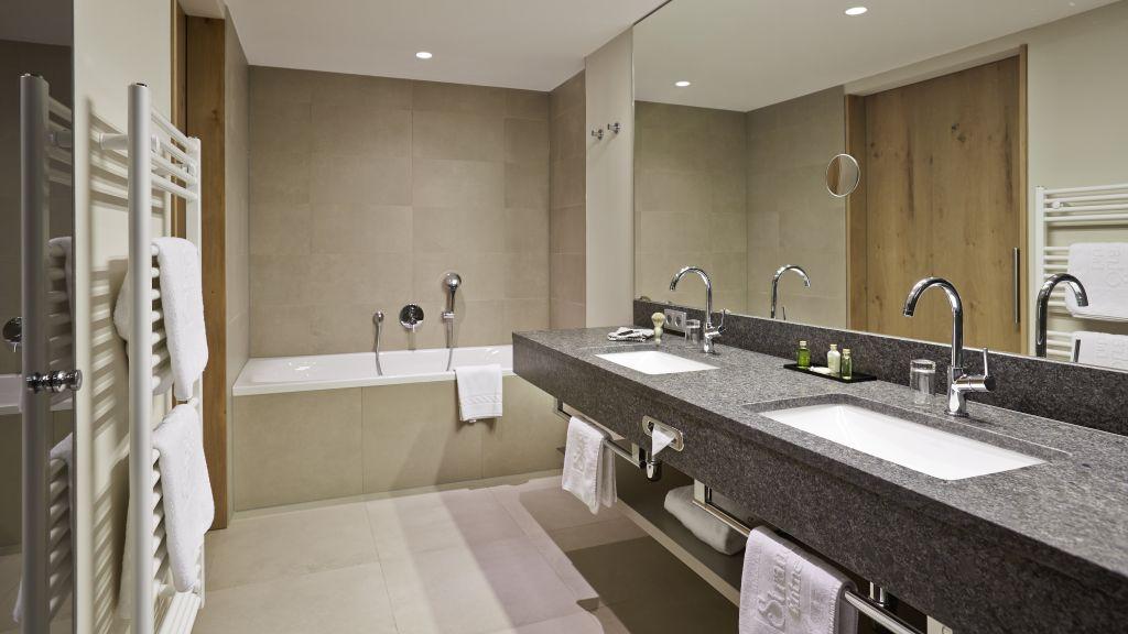 entners am see, pertisau am achensee - four star hotel | tiscover | en, Badezimmer