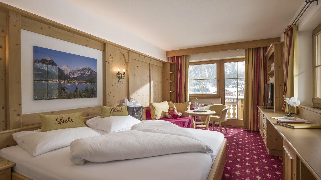 Hotel Liebes Caroline Eben am Achensee Pertisau Doppelzimmer Komfort - Hotel_Liebes_Caroline-Eben_am_Achensee-Pertisau-Doppelzimmer_Komfort-2-26205.jpg