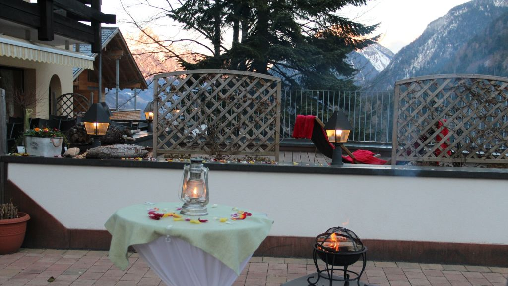 Taleu Naturhotel Buerserberg Hotel outdoor area - Taleu_Naturhotel-Buerserberg-Hotel_outdoor_area-1-26292.jpg