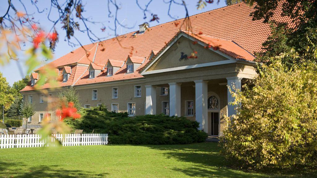 Parkhotel Schloss Meisdorf van der Valk FalkensteinHarz Meisdorf Aussenansicht - Parkhotel_Schloss_Meisdorf_van_der_Valk-FalkensteinHarz_-_Meisdorf-Aussenansicht-7-32624.jpg