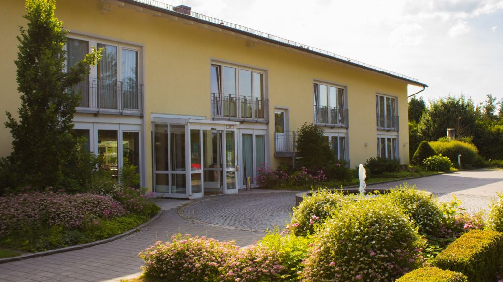 Quality Hotel Suites Muenchen Messe Haar Hotel outdoor area - Quality_Hotel_Suites_Muenchen_Messe-Haar-Hotel_outdoor_area-32780.jpg