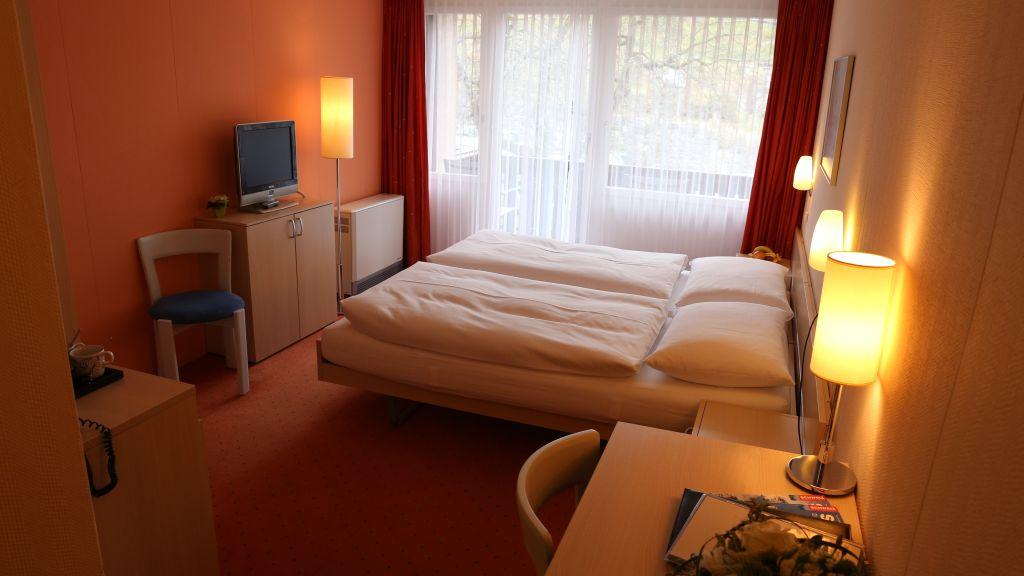 Seegarten Marina Spiez Doppelzimmer Standard - Seegarten_Marina-Spiez-Doppelzimmer_Standard-2-43978.jpg
