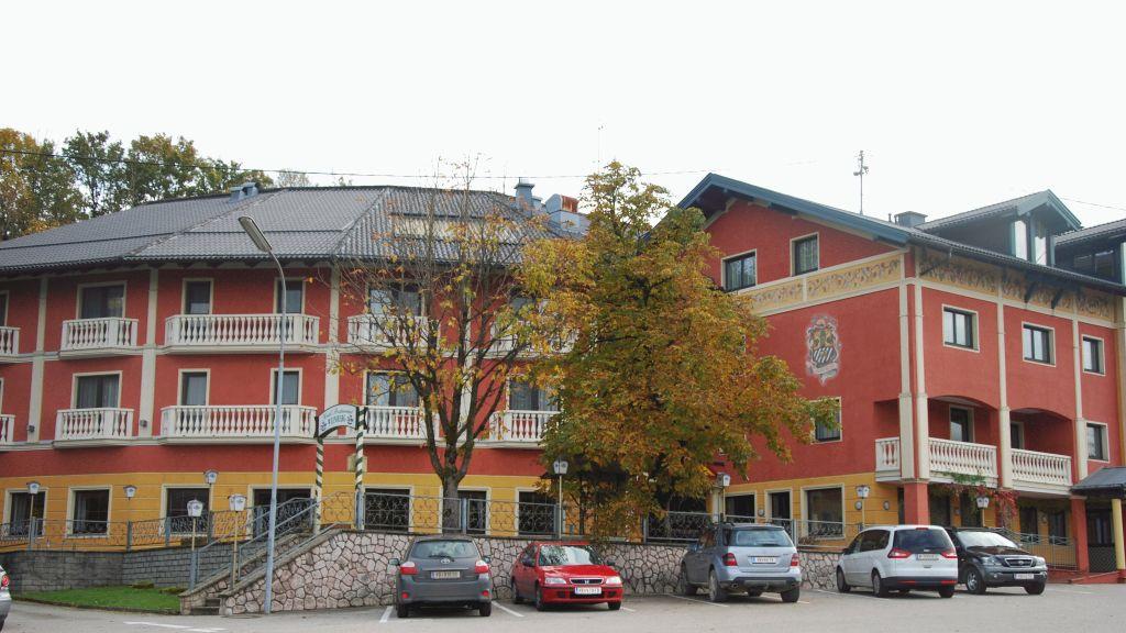 Weinberg Regau Aussenansicht - Weinberg-Regau-Aussenansicht-5-52565.jpg
