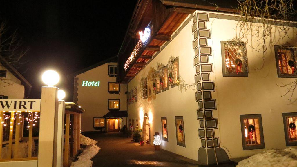 Landhotel Agathawirt Bad Goisern am Hallstaettersee Exterior view - Landhotel_Agathawirt-Bad_Goisern_am_Hallstaettersee-Exterior_view-2-52560.jpg