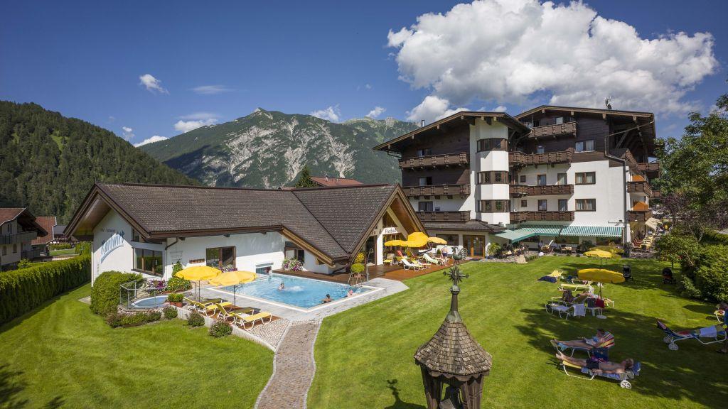 Karlwirt Eben am Achensee Pertisau Hotel outdoor area - Karlwirt-Eben_am_Achensee-Pertisau-Hotel_outdoor_area-1-52682.jpg
