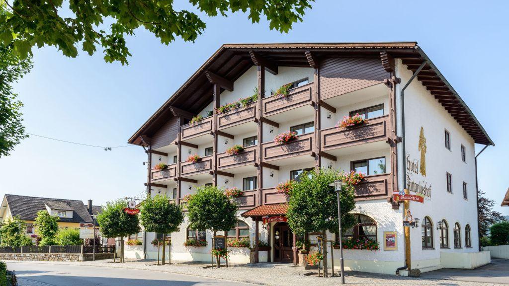 Akzent Hotel Antoniushof Schoenberg Aussenansicht - Akzent_Hotel_Antoniushof-Schoenberg-Aussenansicht-3-55922.jpg
