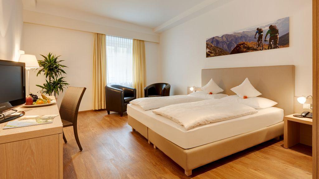 Krone Eat Drink Stay Brixen Single room standard - Krone_Eat_Drink_Stay-Brixen-Single_room_standard-56149.jpg