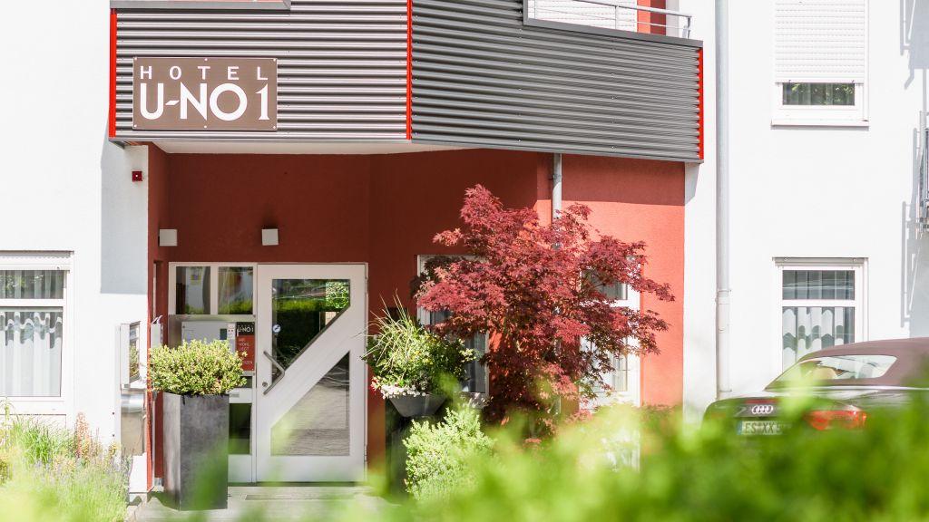 U NO Grossbettlingen Hotel outdoor area - U-NO_1-Grossbettlingen-Hotel_outdoor_area-60077.jpg